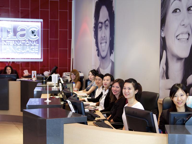 インターナショナル・ランゲージ・アカデミー・オブ・カナダ,バンクーバー(ILAC International Language Academy of Canada, Vancouver)8・15・22・29日間